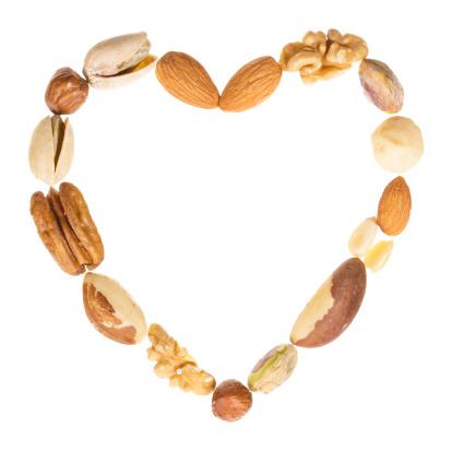 Pine Nut「Assorted nuts heart frame」:スマホ壁紙(12)