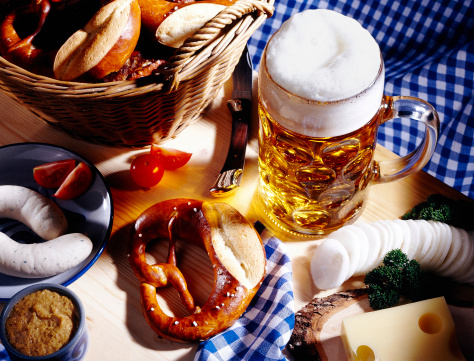 Foam - Material「Bavarian meal and a glass of beer」:スマホ壁紙(11)