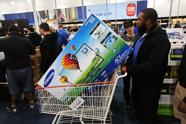 Naples - Florida「Holiday Shoppers Seek Out Deals On Black Friday」:写真・画像(10)[壁紙.com]