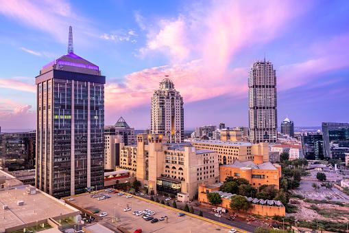 South Africa「Sandton City centre at sunset with Nelson Mandela Square」:スマホ壁紙(12)