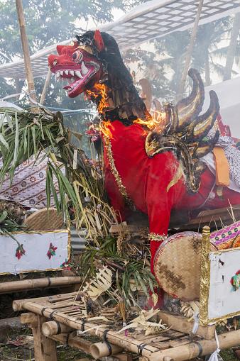 Cremation「Balinese cremation ceremony, burning effigies」:スマホ壁紙(12)