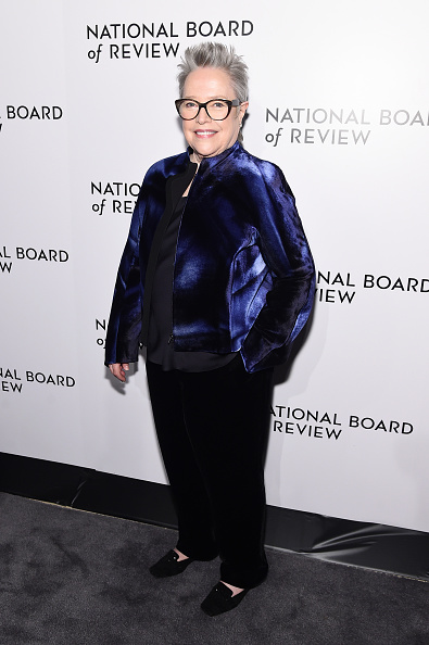 Looking Over「The National Board Of Review Annual Awards Gala - Arrivals」:写真・画像(6)[壁紙.com]
