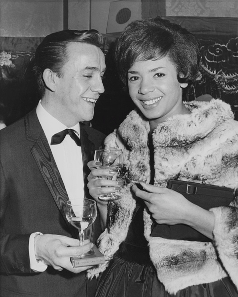 flower「Shirley Bassey And Kenneth Hume」:写真・画像(12)[壁紙.com]