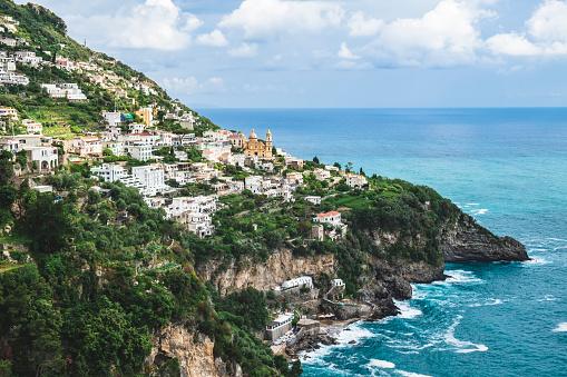 Amalfi Coast「Vista da cidade de Praiano em Positano na Costa Amalfitana」:スマホ壁紙(14)