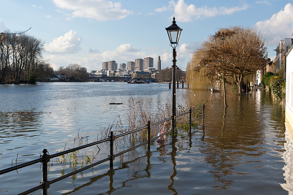Footpath「The Thames Floods In Central London」:写真・画像(0)[壁紙.com]