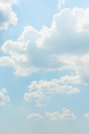 Vertical「Blue sky」:スマホ壁紙(19)
