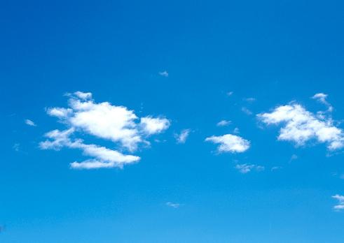雲「Blue Sky」:スマホ壁紙(19)