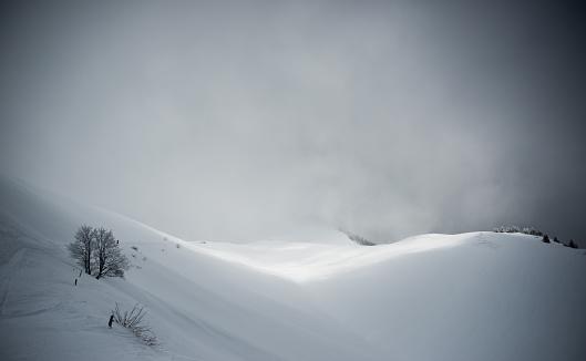 グルノーブル「Dramatic snow covered landscape」:スマホ壁紙(19)