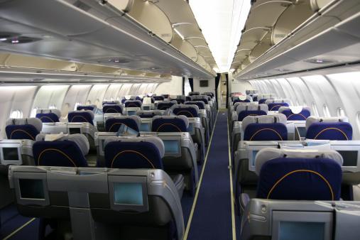 Airplane「Airliner passenger cabin」:スマホ壁紙(12)