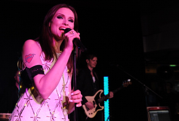 World Wildlife Fund「Sophie Ellis Bextor Performs By Candlelight For The WWF Earth Hour」:写真・画像(12)[壁紙.com]