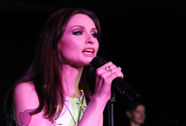 World Wildlife Fund「Sophie Ellis Bextor Performs By Candlelight For The WWF Earth Hour」:写真・画像(8)[壁紙.com]