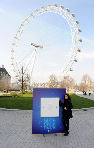 World Wildlife Fund「Sophie Ellis Bextor Unveils Giant Light Switch For The WWF Earth Hour」:写真・画像(12)[壁紙.com]