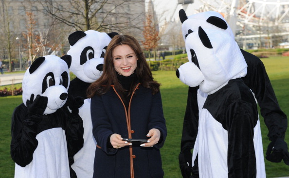 World Wildlife Fund「Sophie Ellis Bextor Unveils Giant Light Switch For The WWF Earth Hour」:写真・画像(15)[壁紙.com]