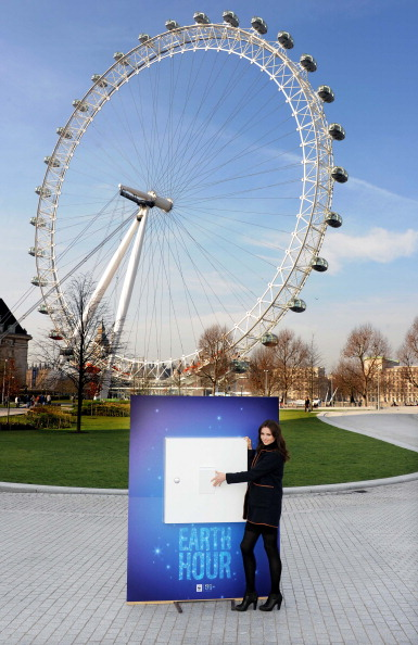 World Wildlife Fund「Sophie Ellis Bextor Unveils Giant Light Switch For The WWF Earth Hour」:写真・画像(18)[壁紙.com]