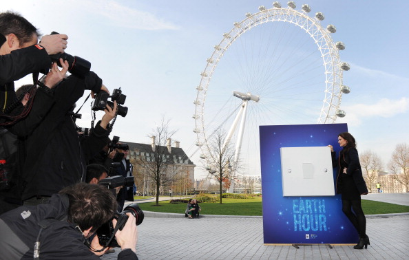 World Wildlife Fund「Sophie Ellis Bextor Unveils Giant Light Switch For The WWF Earth Hour」:写真・画像(17)[壁紙.com]