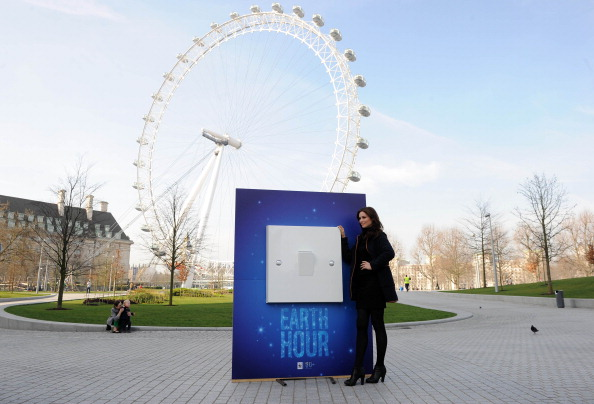 World Wildlife Fund「Sophie Ellis Bextor Unveils Giant Light Switch For The WWF Earth Hour」:写真・画像(11)[壁紙.com]