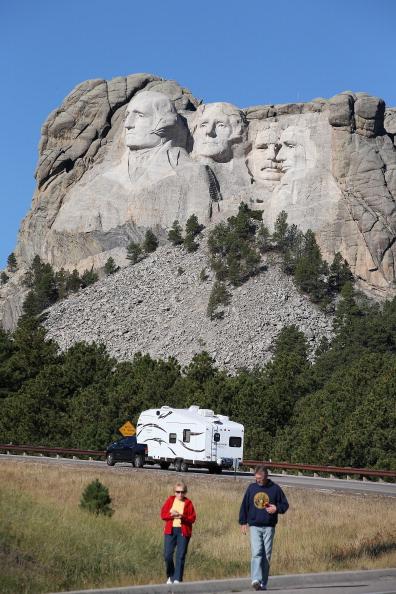 Keystone「Mt. Rushmore Closed Due To Government Shutdown」:写真・画像(2)[壁紙.com]