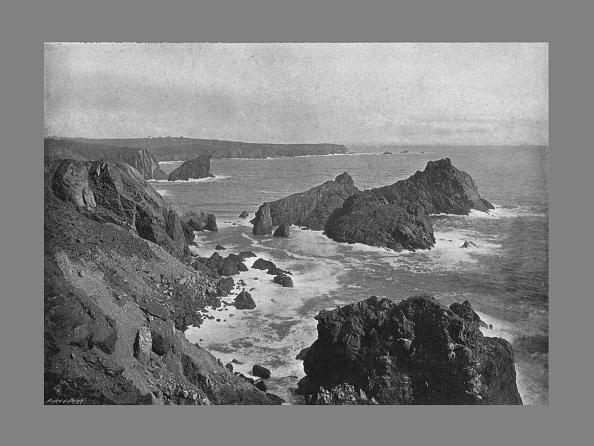 View Into Land「Old Lizard Head And Kynance Cove, C1900」:写真・画像(7)[壁紙.com]