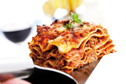 Focus On Foreground「Piece of lasagna」:スマホ壁紙(16)