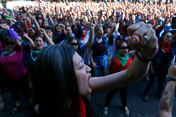 Women's Issues「Wealth Gap Fuels Anger In Chile」:写真・画像(17)[壁紙.com]