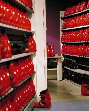 Ski Boot「Rows of ski boots on shelving」:スマホ壁紙(12)