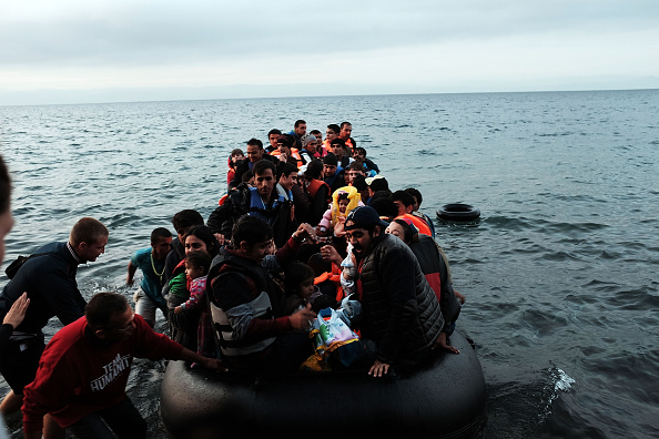 Refugee「Greek Island Of Lesbos Continues To Receive Migrants Fleeing Their Countries」:写真・画像(1)[壁紙.com]