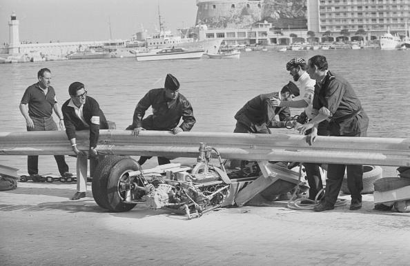Motorsport「Clay Regazzoni Crash」:写真・画像(1)[壁紙.com]