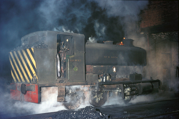 Dirty「Talywain Depot on the South Wales coalfield with Andrew Barclay 0-6-0ST」:写真・画像(18)[壁紙.com]