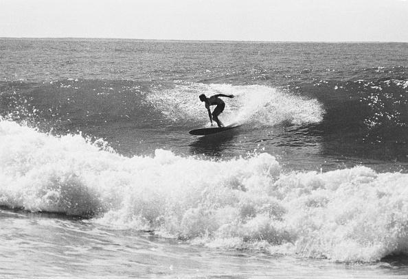 サーフィン「Surfing In Hawaii」:写真・画像(16)[壁紙.com]