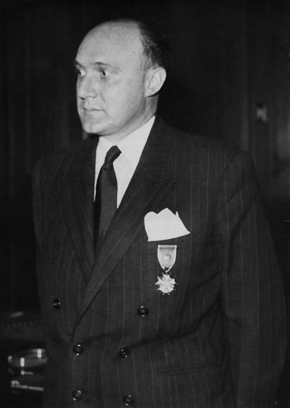 Keystone「US Decorates French Resistance Hero」:写真・画像(16)[壁紙.com]