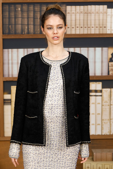 Chanel Jacket「Chanel : Photocall - Paris Fashion Week - Haute Couture Fall Winter 2020」:写真・画像(1)[壁紙.com]