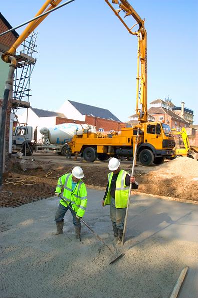 Concrete「Pouring concrete on foundations」:写真・画像(12)[壁紙.com]