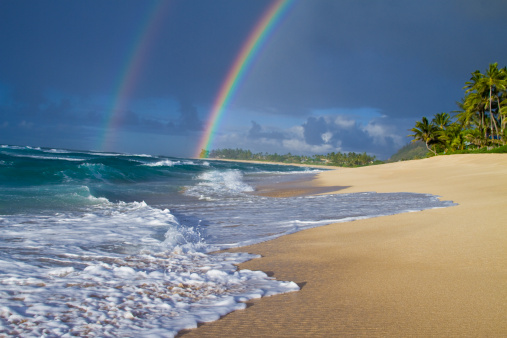 オアフ島「An amazing double rainbow over Rocky Point, on the north shore of Oahu, Hawaii.」:スマホ壁紙(3)