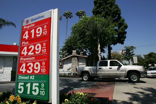 Truck「National Average Price For Gasoline Reaches New High」:写真・画像(15)[壁紙.com]