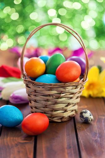 Easter「Colored Easter eggs in basket」:スマホ壁紙(9)