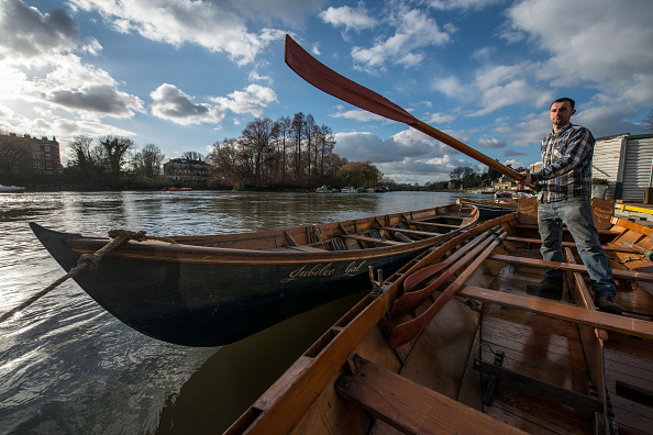 Rowboat「Craftsmen Use Traditional Methods To Build Wooden Rowing Boats」:写真・画像(11)[壁紙.com]