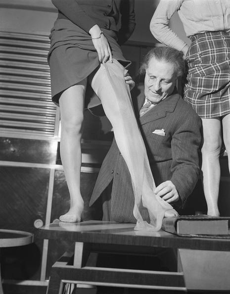 Pantyhose「Measuring Tights」:写真・画像(9)[壁紙.com]