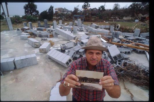 Restoration Style「Residents Restore South Carolina After Hurricane Hugo」:写真・画像(16)[壁紙.com]