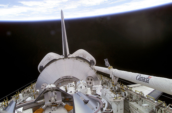 Space Shuttle Endeavor「Space Shuttle STS-100 Mission」:写真・画像(12)[壁紙.com]