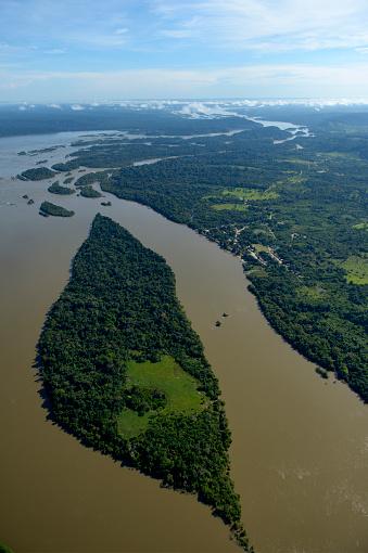 Amazon Rainforest「Brazil, Para, Itaituba, Amazon rainforest, Rio Tabajos, Fishing village Pimental」:スマホ壁紙(10)