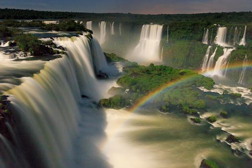 虹「Brazil, Parana, Iguassu Falls National Park」:スマホ壁紙(14)