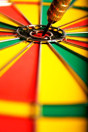 Sports Target「Dart in center of a dartboard」:スマホ壁紙(11)
