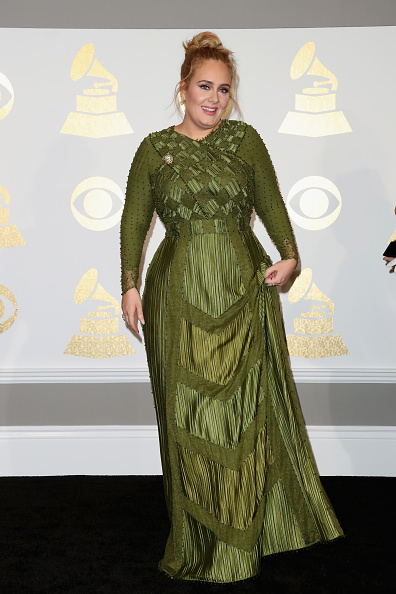 Adele - Singer「The 59th GRAMMY Awards - Press Room」:写真・画像(2)[壁紙.com]