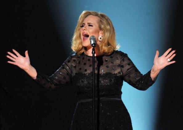 歌手 アデル「The 54th Annual GRAMMY Awards - Show」:写真・画像(5)[壁紙.com]