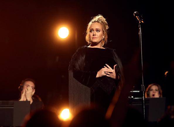 Adele - Singer「The 59th GRAMMY Awards - Roaming Show」:写真・画像(4)[壁紙.com]