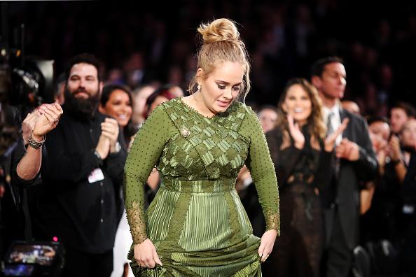 歌手 アデル「The 59th GRAMMY Awards - Roaming Show」:写真・画像(13)[壁紙.com]