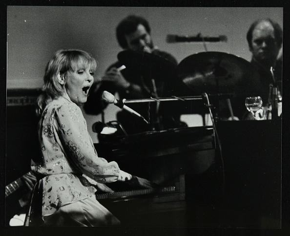 Keyboard Player「Petula Clark in concert at the Forum Theatre, Hatfield, Hertfordshire, 28 January 1984. Artist: Denis Williams」:写真・画像(3)[壁紙.com]