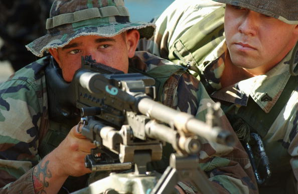 Naples - Florida「U.S. And Filipino Soldiers Participate In All-Marine Training Exercise U.S. And Filipino Soldiers Participate In All-Marine Training Exercise」:写真・画像(9)[壁紙.com]