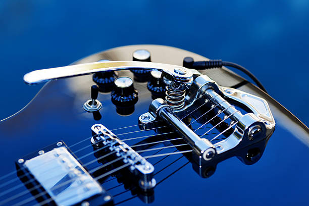 Guitar with Tremolo:スマホ壁紙(壁紙.com)