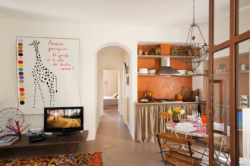 Giraffe「Italian holiday rental house」:スマホ壁紙(5)